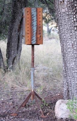 Free standing bee habitat